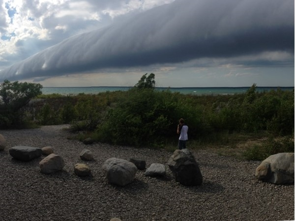Rolling cold front heading ashore from Lake Michigan