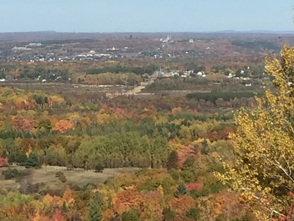 View north from Whealkate Bluff outside of South Range. Fall color is at 100%