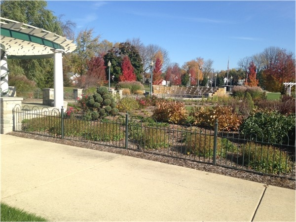 Veterans Memorial Gardens on a pretty fall day