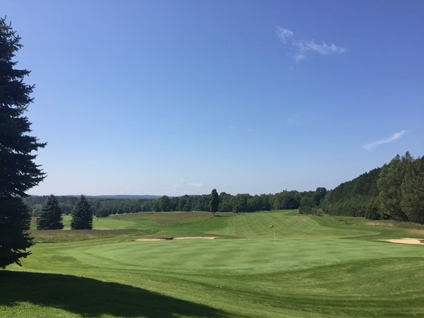 Beautiful views and a challenging, well-kept course...check out Emerald Vale Golf Club