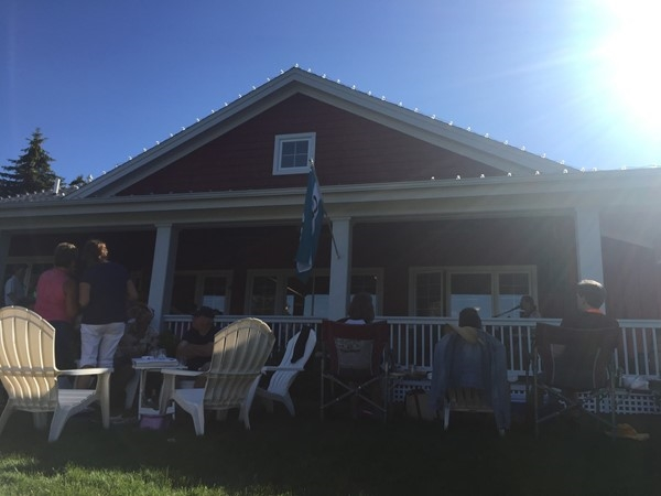 Jim Hawley performing at Boathouse Vineyards' weekly Sunday concert series