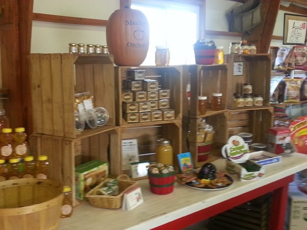Market goods at Meuller's Orchard