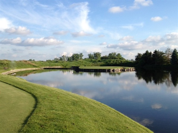 Number 17 at Eagle Eye.  Notice the water? A replica to #17 at TPC Sawgrass in Florida