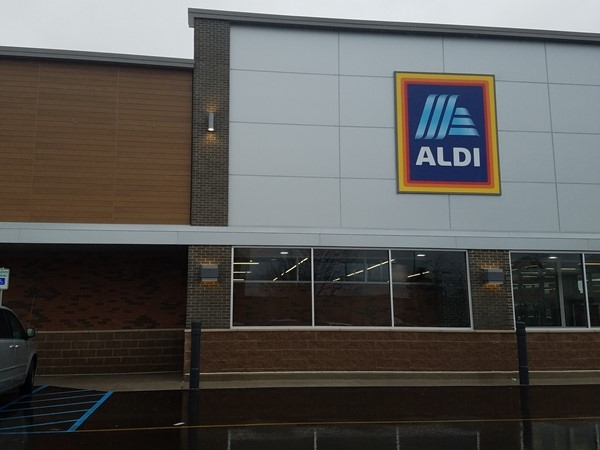 New Aldi location near Meijer in Grandville