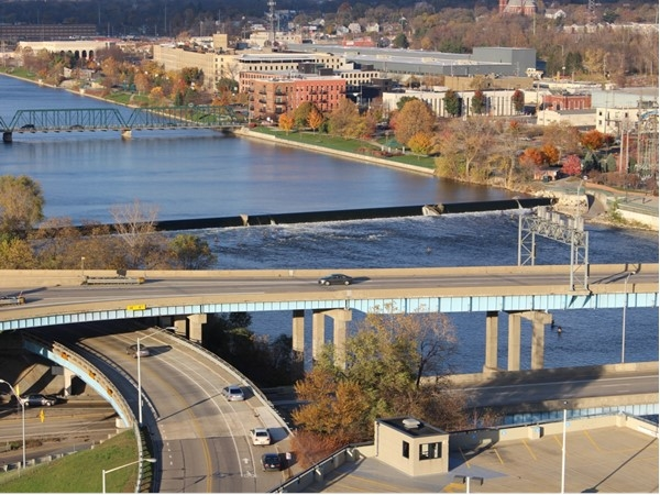 View of the 6th Street Bridge and 6th Street Dam