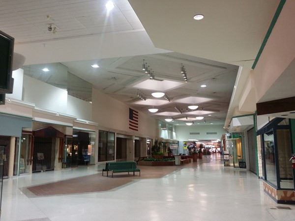 Courtland Center Mall