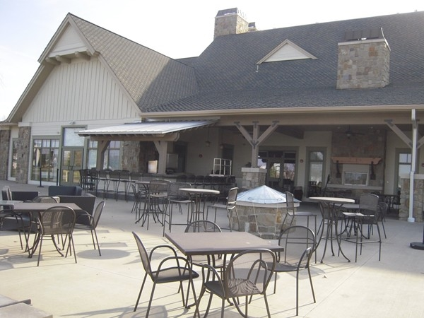 Patio dining at Firerock Grille