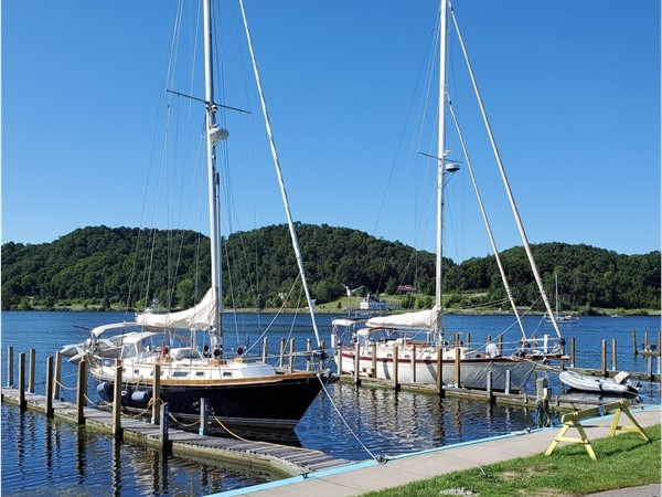 Ready to sail from Betsie Bay City Marina in Frankfort, MS